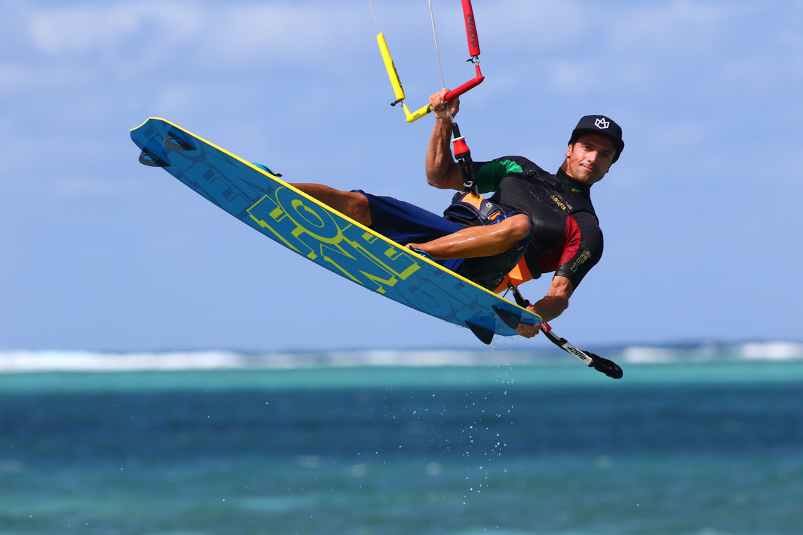 Mistral kite passion ecole de kite surf port saint - Centre medical port saint louis du rhone ...